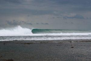Ombak Pantai Plengkung - hungrywalrus.com