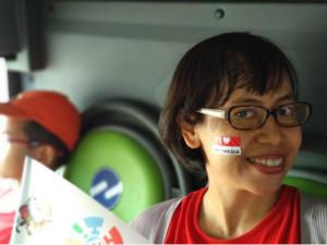 Dukung tim Indonesia, naik bus aja lebih praktis